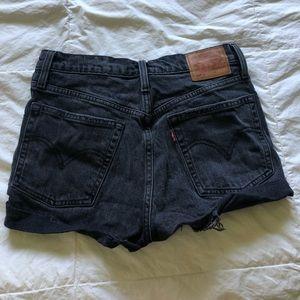 high waisted black levi shorts